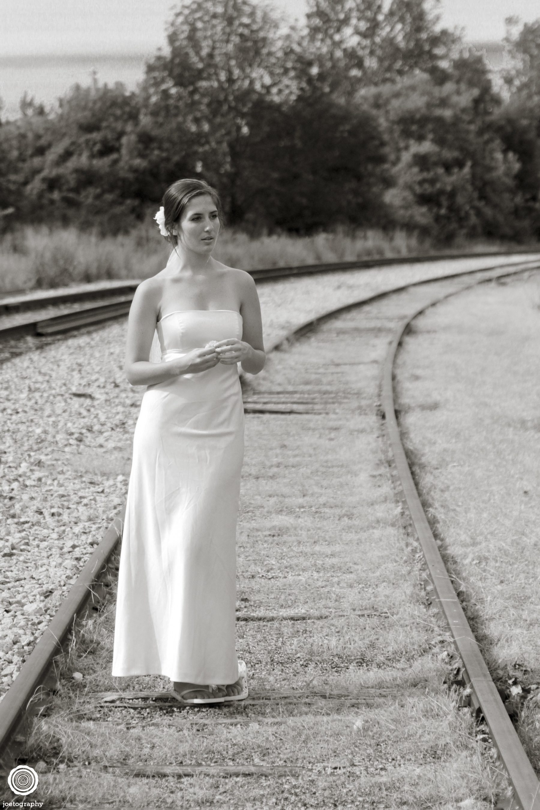 Trash-Wedding-Dress-Photos-Grand-Haven-Michigan-17