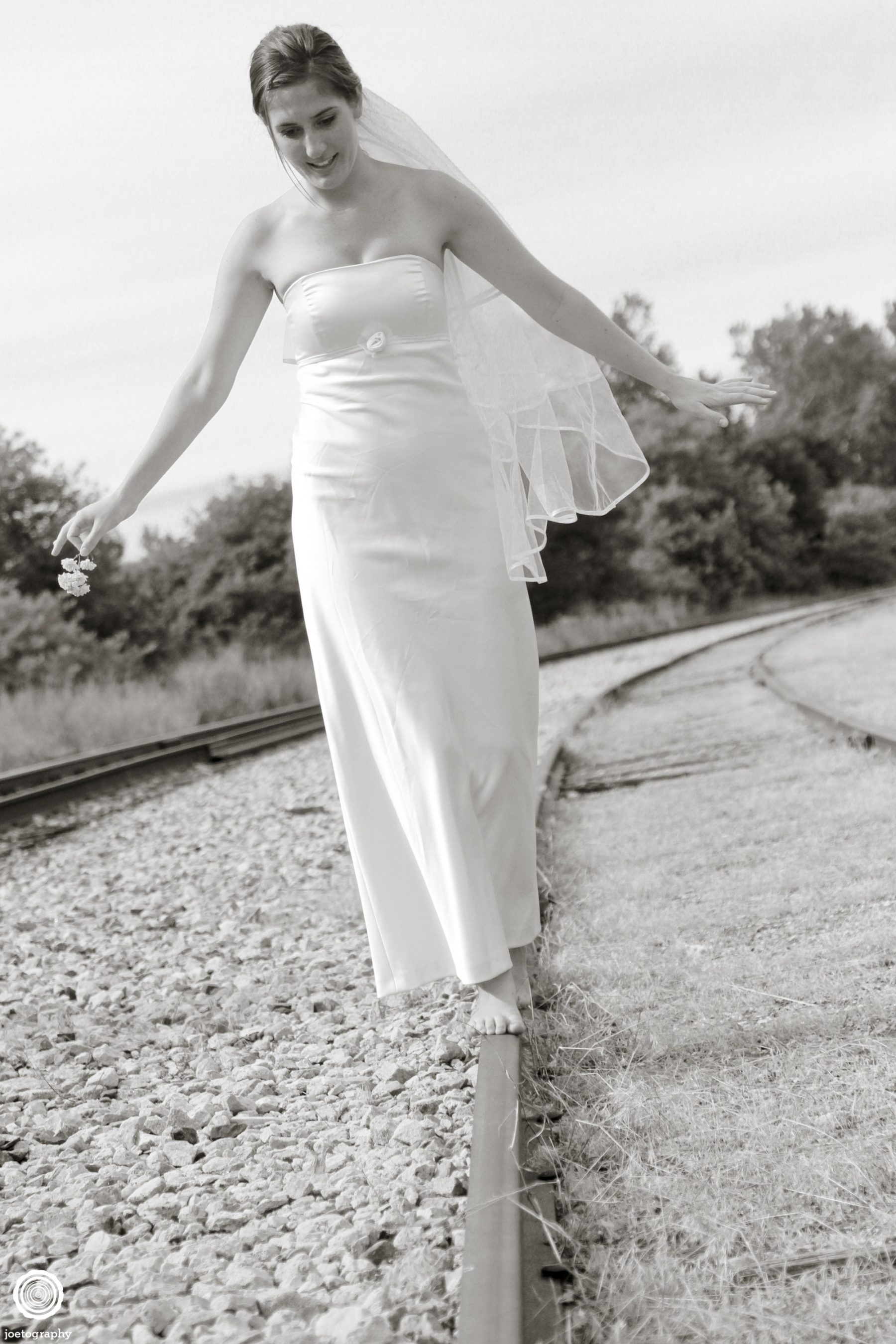 Trash-Wedding-Dress-Photos-Grand-Haven-Michigan-24