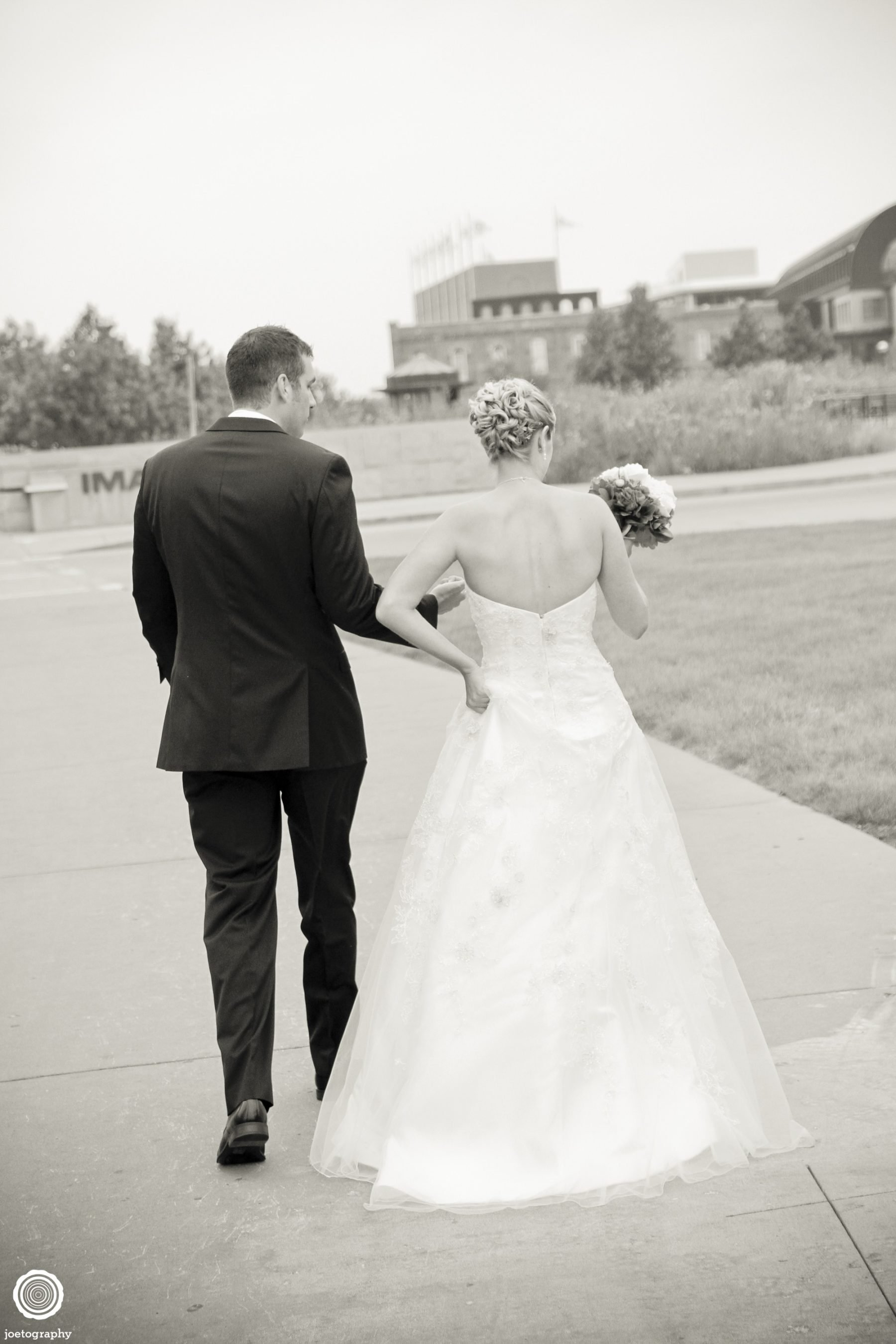 Emma-Derek-Wedding-Photography-Downtown-Indianapolis-65